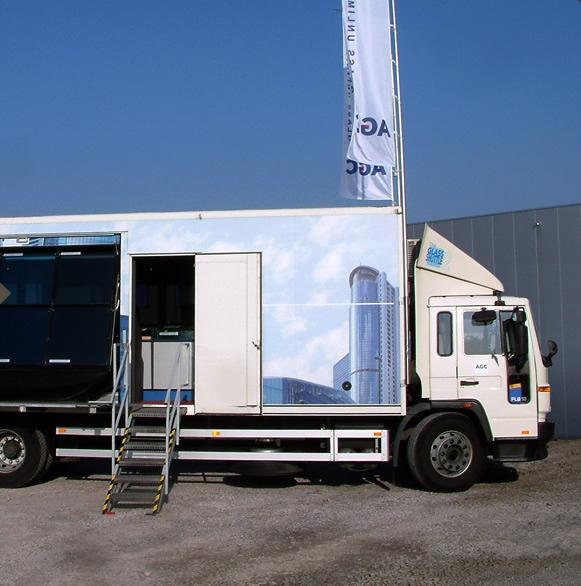 Glass Shuttle van AGC - Mobiele toonzaal voor AGC-beglazing